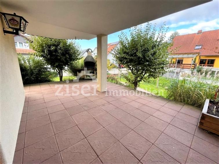 Attraktive Erdgeschosswohnung mit Terrasse