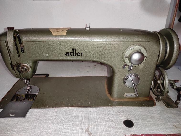 Adler Polster & Ledernähmaschine Motorbetrieben