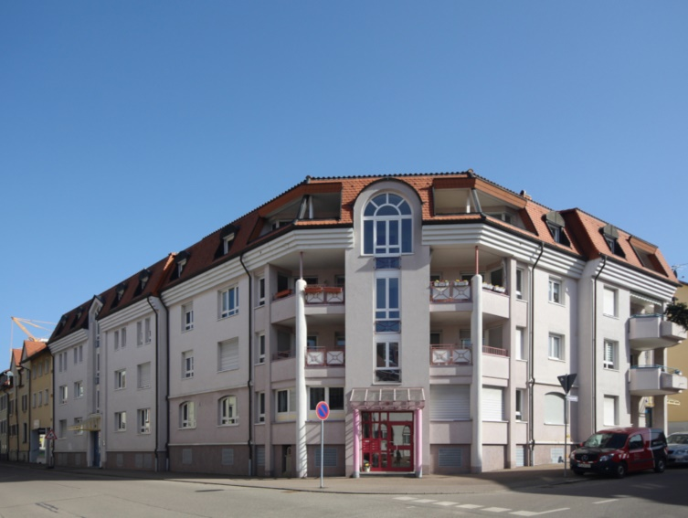 Waldkirch ++ Zentrale und großzügige Büro-/Praxiseinheit