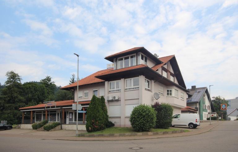 Waldkirch ++ Attraktives Wohn- und Geschäftshaus