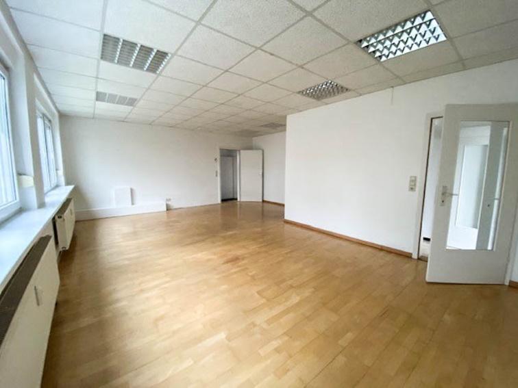 Merzhausen ++  Flexible Büro/Praxisflächen in zentraler Lage mit 3 Zimmern