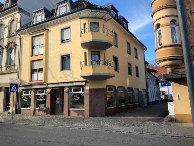 Waldkirch++ Top-Lage: Schönes Ladengeschäft, derzeit Café / Bäckerei