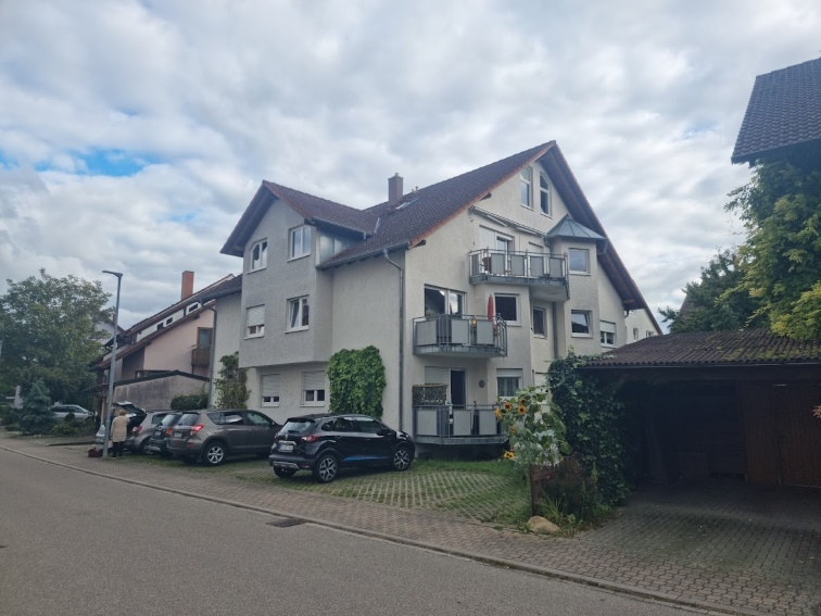 Sonnige 5-Zimmer Maisonettewohnung in Ihringen