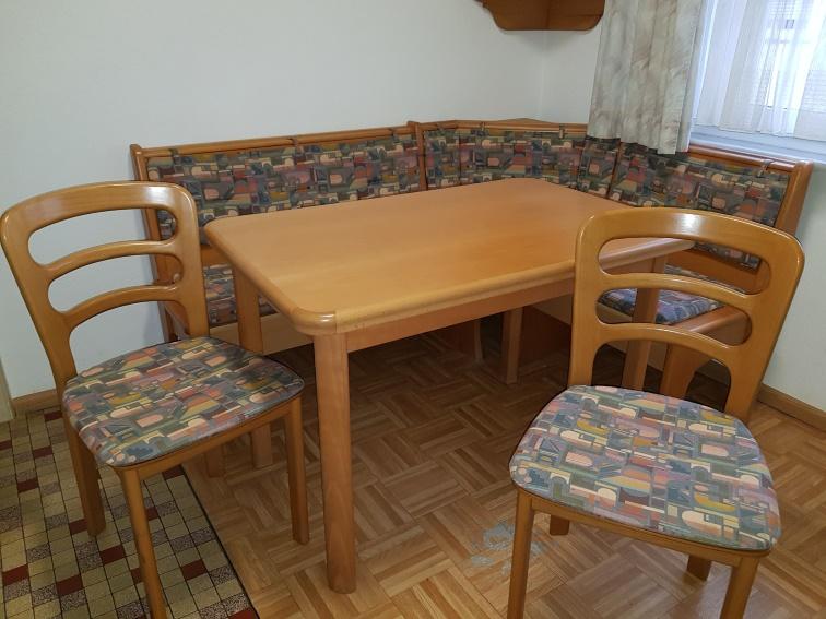 Wössner Eckbank mit Tisch (ausziehbar) und 2 Stühlen 150€